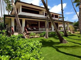 Hale Koa Estate - beachfront, w/ pool, Laie
