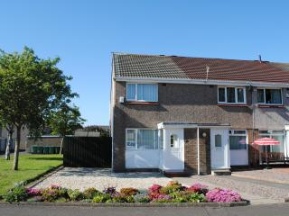 Stunning 2 bedroom house with private garden, Troon