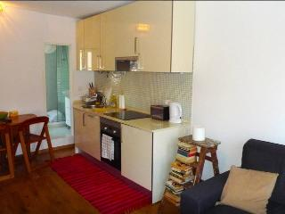 Cosy Alfama 2BD with River View, Lisboa