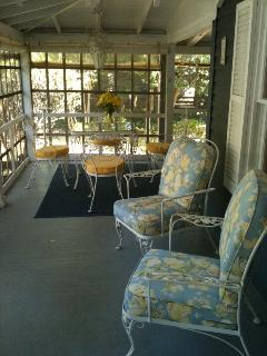 Beautiful Screened Porch - Many Seating and Dining Areas