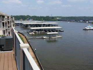 Water front condo, Osage Beach