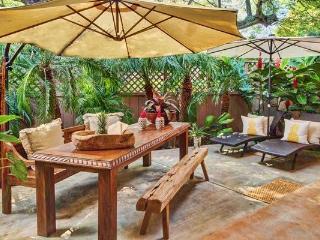 No Ka Oi Hale #14 - near Napili bay, w/ AC, Wifi, BBQ! Good for 6- 8 guests!