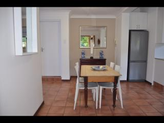 PARKLIKE GROUNDS best area UPMARKET  spacious, Johannesburg
