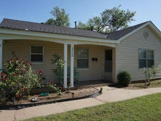 Two Bedroom House with Huge Fenced Yard, Oklahoma City