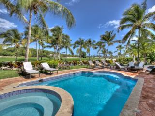 Amazing 3 bedroom Villa surrounded by Golf Course and next to Beach, Punta Cana