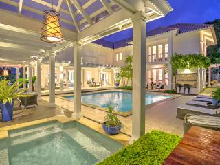 Lushy and beautiful family villa close to Golf course, Punta Cana