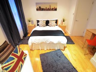 Oval Tube - Deluxe House - 9 Guests - Parking, Londres