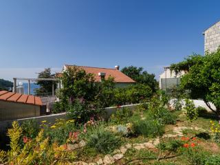 Ingrid's orange central suite :), Dubrovnik