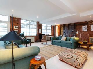 Modern loft style 2 bedroom apartment in North London, sleeping up to 5 guests.