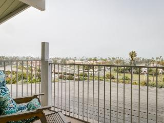 Spacious 3BD Vista Del Mar, Enjoy Sunsets over the Ocean, Walk to the Beach, Ventura