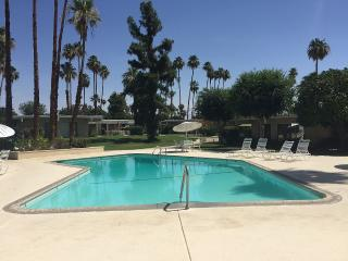 Recently updated 2 bed 2 bath condo - Palm Springs