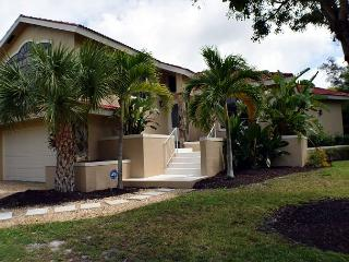 Beautiful home in Beachview Estates with pool