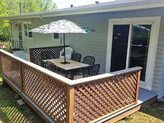 Two Beaches: Immaculate single-level 3BR between Long Beach & Good Harbor, Gloucester