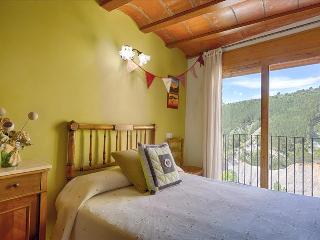 Cal Joan - Spacious Village House, Salas de Pallars