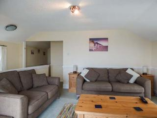 THE COACH HOUSE spacious, en-suite, views, close to beach, WiFi, Sennen Cove Ref 932665