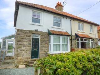 THE HAVEN, family accommodation, woodburner, WiFi, enclosed garden, in Sleights,