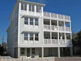 #6 11th Street - You`ll Love Your `Tybee Time` at this Gem of a House - FREE Wi-Fi, Tybee Island