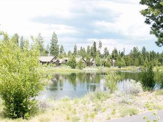 Caldera Springs! Classy and luxurious is the best way to describe this home., Sunriver