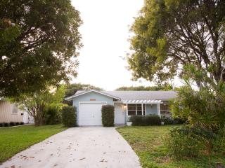 Beautiful 3/2 Minutes from Beach & Atlantic Ave., Delray Beach