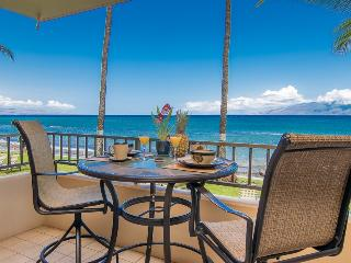 Oceanfront -  Spacious Studio - King Size Bed, Lahaina