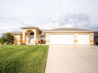 New Listing! 'The Sleepy Turtle' Spacious Updated 4Br ~ RA67064