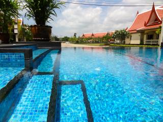 Super Apartment in Idyllic Bang Saray, Sattahip