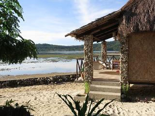 Intimate Cottage with Sea View!, Popototan Island