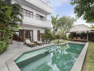 Bali Sunset Villa - Luxury at affordable prices, Canggu