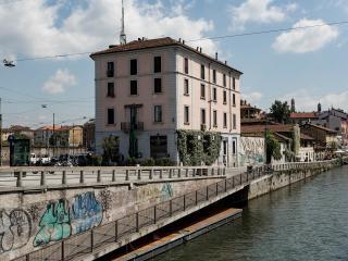 Cheap flat directly on Navigli