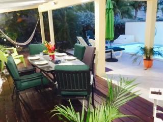 Belle et spacieuse Villa a 100 m de la plage d'Orient Bay