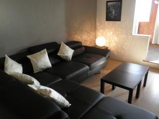 Bel Appartement T4 avec Terrasse et Jardinet, Béziers