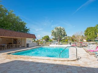 Marco Island 1BR/1BA  Model Village only  $130/NT, Isla Marco