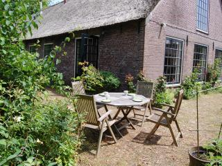 Farmhouse in the heart of Holland, Aarlanderveen
