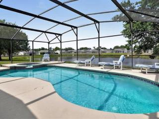 Water view/No rear Neighbor/Tiles throughout, Clermont