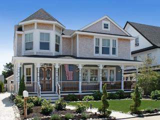 Designer Five-bedroom Victorian with contemporary, Beach Haven