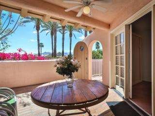 Palm Springs Deauville Condo - Ideally Located