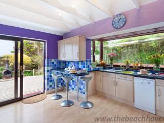 The vibrant kitchen thebeachhaven. co. uk