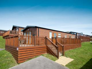 Holiday Lodge, sleeps 4,  beautiful setting, Hastings