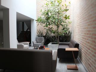 Luxurious house for groups in the heart of Bogota!