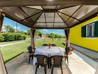 """Villa """"Polly"""",villa with pool for 10-12 person, Zadar"""