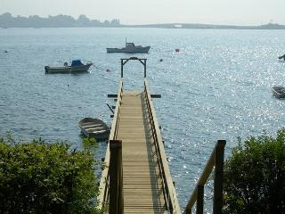 Oceanfront Deep Water Cottage with Private Wharf, Harpswell