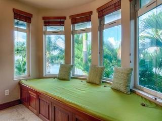 Sea Breeze Manor (5bd) - w/ shared pool, hot tub