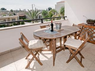 Beautiful holiday apartment with pool in the village of Kissonerga, Paphos