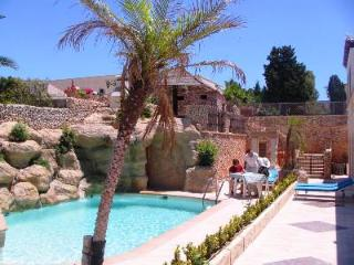 Santa Maria Villa Apartment (D), 1 Bedroom, Private Terrace, Shared Pool, WiFi, Mellieha