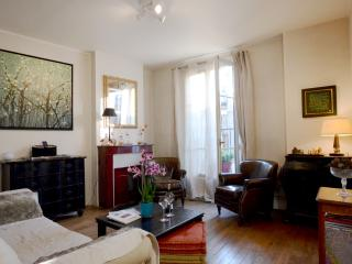 Authentic Parisian Artist Apartment