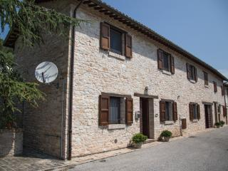 Splendido rustico con vista in collina, San Severino Marche