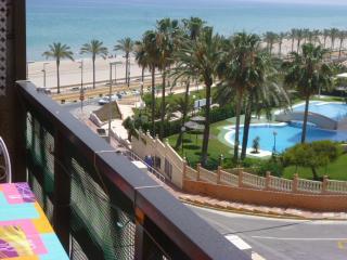 BEACHFRONT LAS LANZAS APARTMEN, Alicante