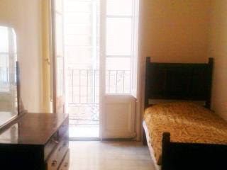 Authentic Historic Apartment in Tortosa's Old Town