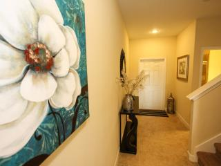 4 bed 3 bath pool home, water view, Kissimmee