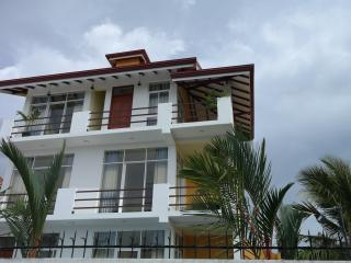 Up site apartment, Negombo
